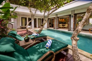 The Residence, Seminyak - Villa Siam - The pool and villa