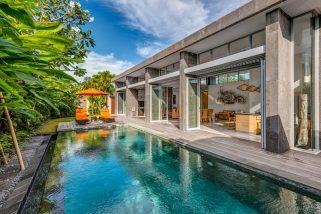 Villa Aramanis - Indah - Pool and villa