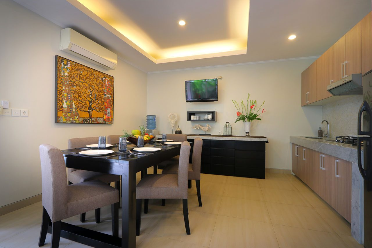White Pearl Kitchen And Dining Asia Holiday Retreats