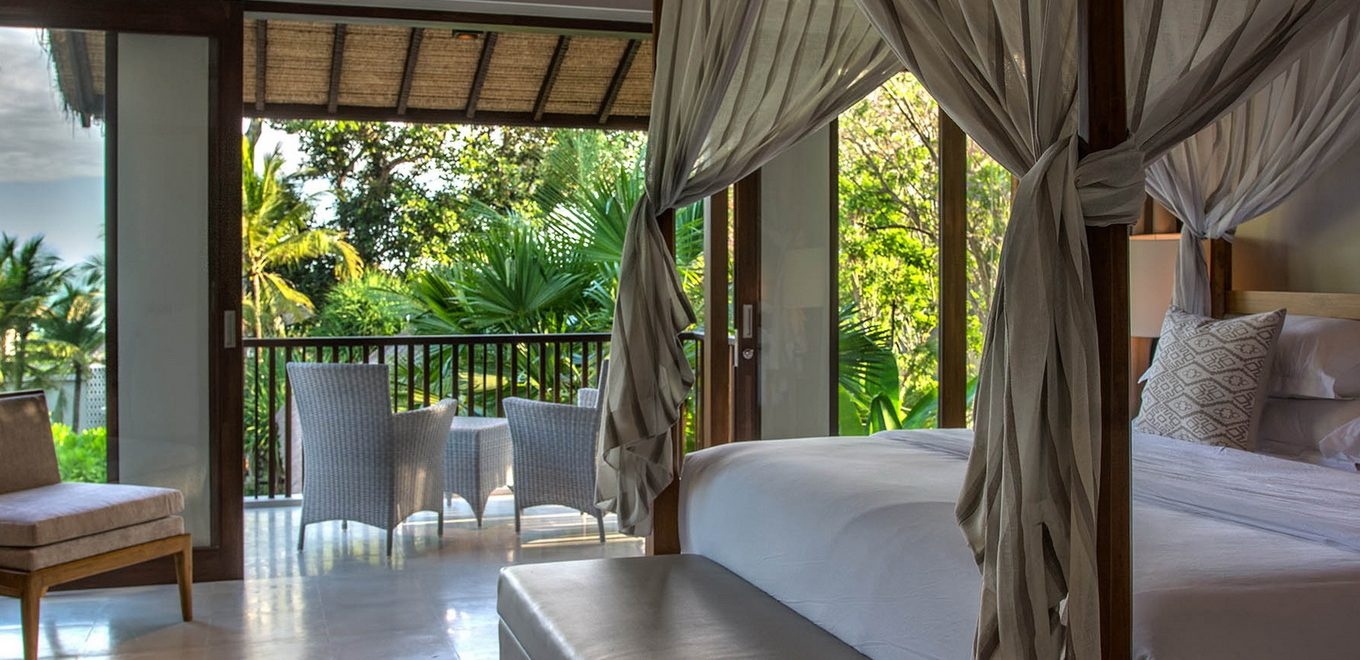 05-Seseh-Beach-Villa-II-Master-bedroom-two-and-balcony ...